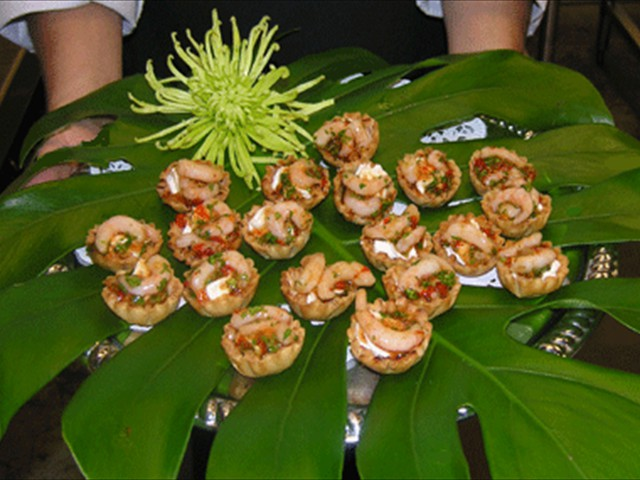 Spicy shrimp canapes