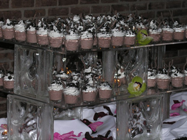 Mousse dessert display